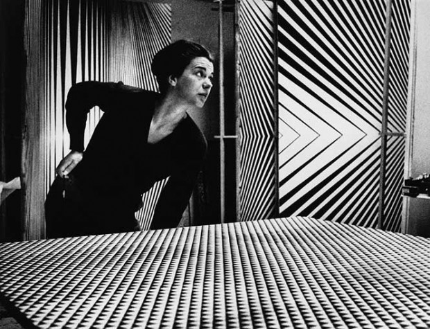 bridget-riley-1963-romano-cagnonihulton-archivegetty-images
